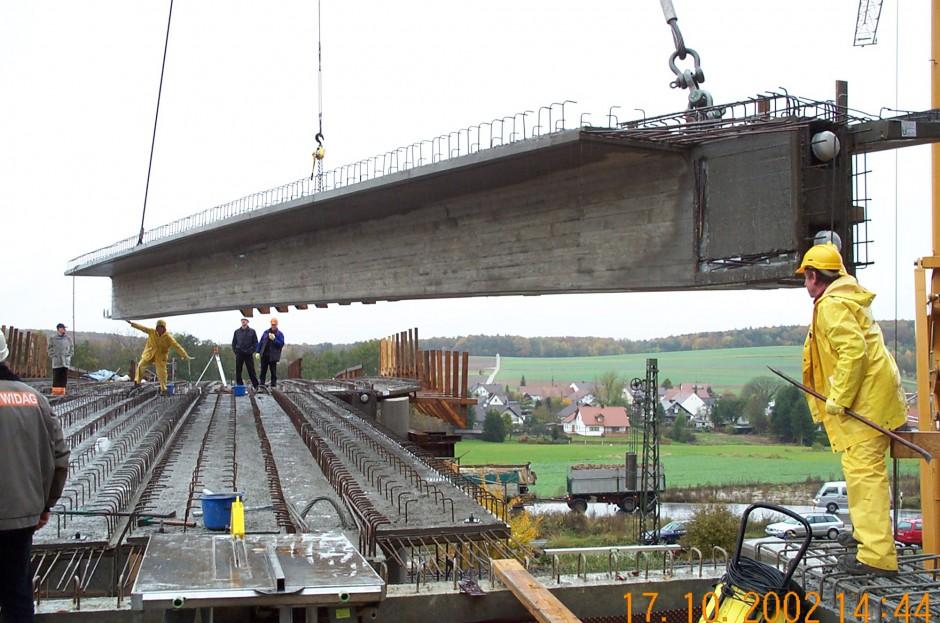 Spannbetonbrücke über die B16 |  | Ortsumfahrung Unter-/Oberhausen |  | Brücken | Dr. Kreutz+Partner - Beratende Ingenieure
